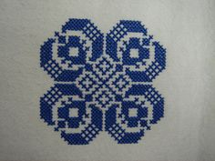 Beaded Flowers Patterns, Vintage Crochet Patterns, Simple Cross Stitch, Pixel Art, Cross Stitch Patterns, Embroidery Designs, Projects To Try, Fancy, Handmade