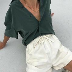 55 fascinating vintage outfit ideas to looks classic 5 Mode Outfits, Casual Outfits, Fashion Outfits, Fashion Hair, Skandinavian Fashion, Looks Style, My Style, Vintage Outfits, Vintage Fashion