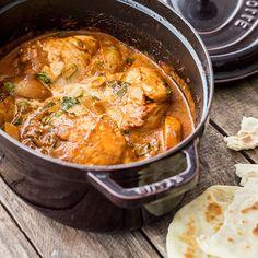 Bei diesem wunderbar cremigen Curry aus Indien kommt alles in einen Topf - dann nur noch Deckel drauf und warten, bis Kreuzkümmel, Kurkuma und Co. ihr Aroma entfaltet haben.