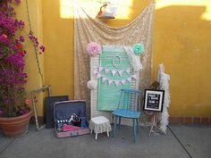 I like this vintage photo booth setup #vintage #photobooth