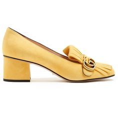Gucci Marmont fringed leather loafers (10.668.955 IDR) ❤ liked on Polyvore featuring shoes, loafers, heels, yellow, yellow leather shoes, fringe shoes, leather loafer shoes, yellow dot shoes and yellow polka dot shoes
