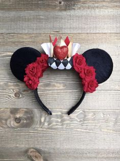 Disney Ears Queen of Hearts Minnie Mouse Ears Disney Diy, Diy Disney Ears, Disney Mickey Ears, Disney Bows, Disney Crafts, Mickey Ears Diy, Disney Ideas, Disney Outfits, Disney Magic