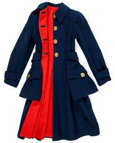 Elsa Schiaparelli, manteau de jour automne-hiver 1939-1940 / Sergé de laine, boutons en cuir et métal doré - Les Arts Décoratifs, Paris
