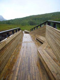 Área de descanso & passarela em Lillefjord / Pushak (6)