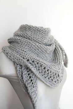 Ideas Crochet Shawl Wrap Tutorials For 2020 Knitted Poncho, Knitted Shawls, Knitting Stitches, Free Knitting, Crochet Hat With Brim, Crochet Summer Tops, Crochet Diy, Crochet Geek, Crochet Headband Pattern