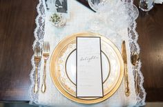 Gold Wedding Place Setting - PHOTO SOURCE • ASHLEY MICHELLE PHOTOGRAPHY | Featured on WedLoft