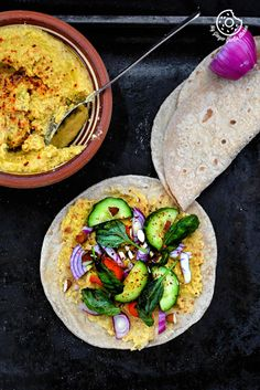 INDIAN CHAPATI WITH PEPPERY GARLICKY AVOCADO SPREAD WITH VEGGIES. #‎foodstyling‬ ‪#‎indianfood‬ ‪#‎plantbased‬ ‪#‎cleaneating‬ ‪#‎healthyliving‬ ‪#‎vegan‬ ‪#‎vegetarianrecipe‬ ‪#‎nomnom‬ ‪#‎weekend‬ ‪#‎lunch‬ ‪#‎foodphotography‬ ‪#‎delcious‬ ‪#‎avocado‬ ‪#‎govegan‬ ‪#‎spreads‬ ‪#‎goodfood‬ ‪#‎foodie‬ ‪#‎foodporn‬ #dairyfree