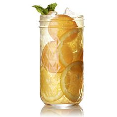 How to make orange sun tea: Pour 10 oz sun-steeped black tea served over ice with 1/4 orange, sliced, and fresh mint. Ahhhh | health.com