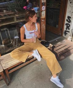 Places to shop for teenage clothes popular teenage girl outfits how to look Mode Outfits, Retro Outfits, Trendy Outfits, Vintage Outfits, Vintage Shorts, Dress Vintage, Vintage Fashion, Looks Style, Looks Cool