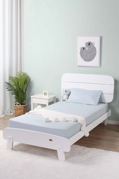 With its simplistic modern style, the Paddington King Single Bed is designed to fit seamlessly into any interior design. For optimum comfort when sitting upright, this modern kids' bed features a large angled solid wood headboard.  A rounded foot end and unique angled legs add a charming Scandinavian touch to the design. Kids Single Beds, Kids Bedroom, Bedroom Ideas, Wood Headboard, Scandinavian Interior Design, Modern Kids, Kid Beds, My Room, Mattress
