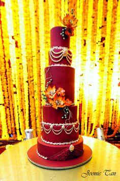 ¿Amas las bodas y todas sus tradiciones? Te presentamos 5 tartas de boda muy altas ¡Te van a gustar!