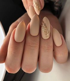 The Trend Of Manicure In Spring And Summer Mark It Quickly! - Latest Fashion Trends for Girls Manicure, Pedicure Nails, Pretty Nails For Summer, Summer Nails, Cute Nail Polish, Cute Nails, Acrylic Nail Designs, Nail Art Designs, Popular Nail Colors