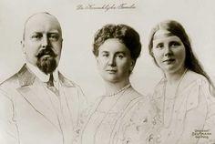 ♥ Familiefoto met prins Hendrik, koningin Wilhelmina en prinses Juliana. 1924