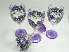 grapes+painted+on+wine+glasses | Set of Four Festive Grape Hand painted Wine by astrokeofjeanneius