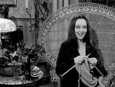 Morticia Addams, Addams Family Tv Show, Adams Family, Knitting Humor, Knitting Quotes, Knitting Club, Knitting Needles, Carolyn Jones, Knit Art