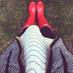 JCrew Herringbone vest, striped blouse, jeans, and red hunter boots Preppy Outfits, Preppy Style, Cute Outfits, My Style, Red Hunter Boots, Hunter Boots Outfit, Red Boots, Snow Day Outfit, Outfit Of The Day