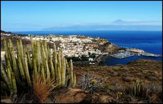 San Sebastian - La Gomera - At the background Tenerife und mount Teide - Canary Islands - By Chio.S