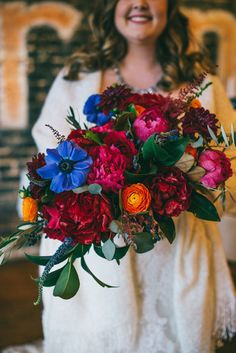 Hosting a winter wedding? You'll need some winter wedding flowers! Here are 23 winter wedding bouquets and tips on how to make your own. Bridal Bouquet Blue, Wedding Bouquets, Wedding Veils, Bouquet Of Flowers, Wedding Hair, Bridal Hair, Wedding Dresses, Bridal Musings, Jewel Tone Wedding