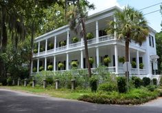 Beaufort Online is your Source for Beaufort SC Tourism, History, Business, Southern Recreation, Lowcountry Dining, and more
