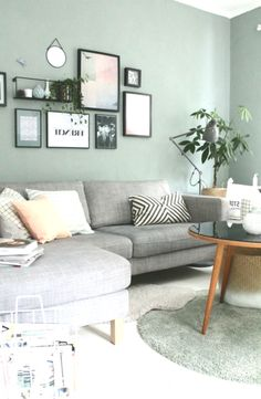 Wandfarbe Wohnzimmer Blau Grau Wandfarbe Wohnzimmer Graue Couch Trendige Wandfar Wall Color Living R Grey Wall Color, Blue Grey Walls, Gray Painted Walls, Mint Green Walls, Gray Green, Pink Grey, Living Room Accents, Living Room Paint, Living Room Colors