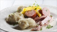 Raspeball med røkt svineknoke og vossakorv Meal Planning, Sausage, Bacon, Beef, Meals, Recipes, Norway, Food, Meat