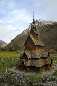 Borgund Stave Church in Lærdal, Norway (by Dënny).