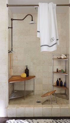 Crafted from reinforced stainless steel and grade-A teak, our exclusive Marais Teak/Stainless Corner Shower Seat brings effortless beauty and function to the shower.