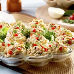 Mimosen-Eier mit Thunfisch und Chili: www.fourchette-and . Egg Recipes, Snack Recipes, Healthy Recipes, Healthy Meals For Kids, Healthy Cooking, Chili, Chilli Chilli, Good Food, Yummy Food