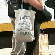 verteverde.com Qué lindo es ver que cada vez más gente viaja con bolsas reutilizables... #bolsas #bolsa #reutilizar #bolsareutilizable #bag #reuse #reusable #reusablebag #sustentable  #sustainable
