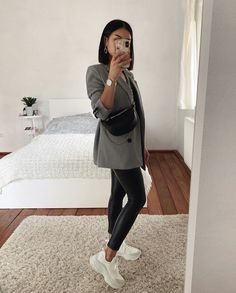 Best Picture For everyday outfits chic For Your Taste You are looking for something, and it is going Winter Fashion Outfits, Look Fashion, Fall Outfits, Womens Fashion, Holiday Fashion, Petite Fashion, Cute Casual Outfits, Stylish Outfits, Casual Chic