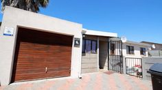 Houses & Flats for Sale in Brackenfell - Search Gumtree South Africa for your dream home in Brackenfell today! Gumtree South Africa, Built In Cupboards, Young Family, Open Plan Kitchen, Flats For Sale, Gates, Bathrooms, Lounge, Building