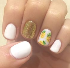 Beautiful nail art designs that are just too cute to resist. It's time to try out something new with your nail art. Cute Gel Nails, Shellac Nails, Cute Acrylic Nails, Toe Nails, Polish Nails, Nail Art Designs, Hawaii Nails, Pineapple Nails, Party Nails