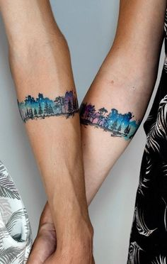 Explosion of Colors: Beautiful Watercolor Tattoos by Koray Karagözler awesome watercolor armband tattoo for couples © tattoo artist KORAY KARAGÖZLER 💘💘💘💘💘 Bracelet Tattoo For Man, Wrist Band Tattoo, Forearm Band Tattoos, Bff Tattoos, Armband Tattoo, Mini Tattoos, Body Art Tattoos, Tattoos For Guys, Sleeve Tattoos