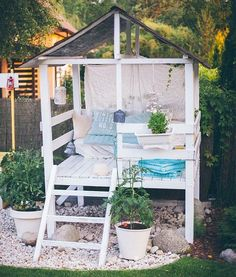 This is what happens when a tree house meets a she-shed!