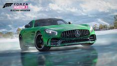 Spieler des Rennspiels Forza Horizon 3 können jetzt in der neuen Blizzard Mountain Erweiterung mit dem Mercedes-AMG GT R über verschneite Straßen und eisige Pisten fahren.
