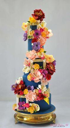 The Garden of Eden by Sumaiya Omar - The Cake Duchess SA - http://cakesdecor.com/cakes/272666-the-garden-of-eden