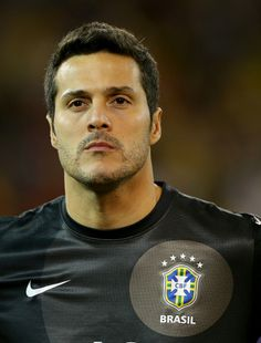 Brazil Julio Cesar Player of Everton Fifa, Soccer Skills, World Cup 2014, Sports Figures, Play Soccer, Sports Stars, Everton, Goalkeeper, Fo Porter