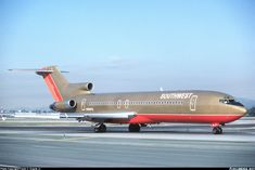 Vintage Aircraft – The Major Attractions Of Air Festivals - Popular Vintage Boeing 727 200, Boeing Aircraft, Air Photo, Air Festival, Airplane Art, Southwest Airlines, Commercial Aircraft, Aircraft Pictures, Fighter Jets