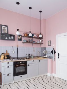 pink kitchen appliances pink kitchen pink walls and shades of grey are a perfect combo for any kitchen and white kitchen appliances packages Pink Kitchen Walls, Pink And Grey Kitchen, Pink Kitchen Appliances, Black Kitchen Decor, Pastel Kitchen, Ikea Kitchen, Home Decor Kitchen, Kitchen Colors, Kitchen Flooring
