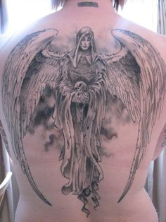The angels of death are depicted wearing monastic clothes, hooded cloaks, ragged clothes and even chained tunics and breastplates (when the Angel of Death is portrayed as an warrior angel). Description from tattoo-designspicture.blogspot.ca.