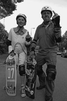 Never too old to skateboard. This helps me with wanting to buy a longboard. Charlie Brown Jr, Skate Surf, Skate Fish, Skate Ramp, Young At Heart, Stay Young, Die Young, Longboarding, Forever Young