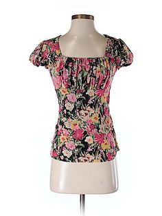 Check it out -- Ann Taylor Loft Short Sleeve Top for $13.99 on thredUP!   Love it? Use this link for $10 off. New customers only.