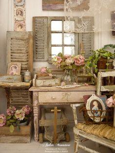 Un bouquet de roses et d'hortensias pour la Saint-Valentin, Mes chers amis, L'hortensia rose est lié aux histoires romantiques, aux émotions sincères, et à l'amour. La rose rose pâle parle de douceur, d'amitié profonde et tendre. Comme aujourd'hui ce n'est pas seulement la fête des amoureux, mais aussi celle de l'amitié, j'ai fabriqué un bouquet de roses et d'hortensias pour fêter cette Saint-Valentin avec vous. ♥ ♥ ♥ Le petit lit en fer n'étant pas to...