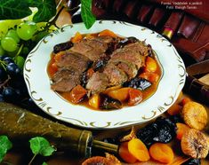 Trópusi vadkacsamell Hungarian Food, Hungarian Recipes, Pot Roast, Steak, Paleo, Dishes, Ethnic Recipes, Carne Asada, Roast Beef