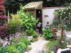 https://flic.kr/p/4orSbG   Chelsea 2007 Courtyard Gardens, etc.