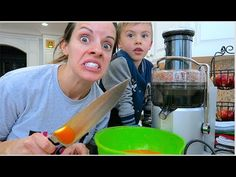 CRAZY MOMMY VLOGGER!