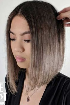 Dark Color Bob Hairstyles With Ombre bluntbob bobhaircut haircuts ❤️ Are you curious to find out creative ideas of exquisite blunt bob hairstyles? Have a look at our collection and get inspired! Frontal Hairstyles, Bob Hairstyles For Fine Hair, Trending Hairstyles, Hairstyles Haircuts, Beautiful Hairstyles, Lob Haircut, Short Haircut, Asymmetrical Bob Haircuts, Bobs For Thin Hair
