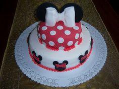 Minnie Cake  Torta Di Minni O Topolina cakepins.com