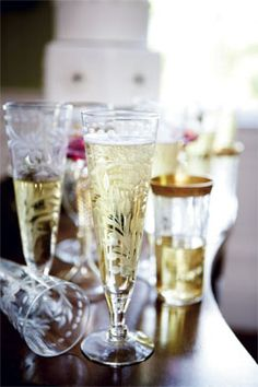 Champagne in lovely flutes Flute Champagne, Champagne Glasses, Crystal Champagne, Vintage Champagne, Sparkling Wine, Cheers, Crystal Glassware, In Vino Veritas, Vintage Glassware