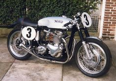 Norton 750 race bike Moto Norton, Norton Bike, Norton Cafe Racer, Norton Motorcycle, Enfield Motorcycle, Cafe Racer Motorcycle, British Motorcycles, Racing Motorcycles, Vintage Motorcycles